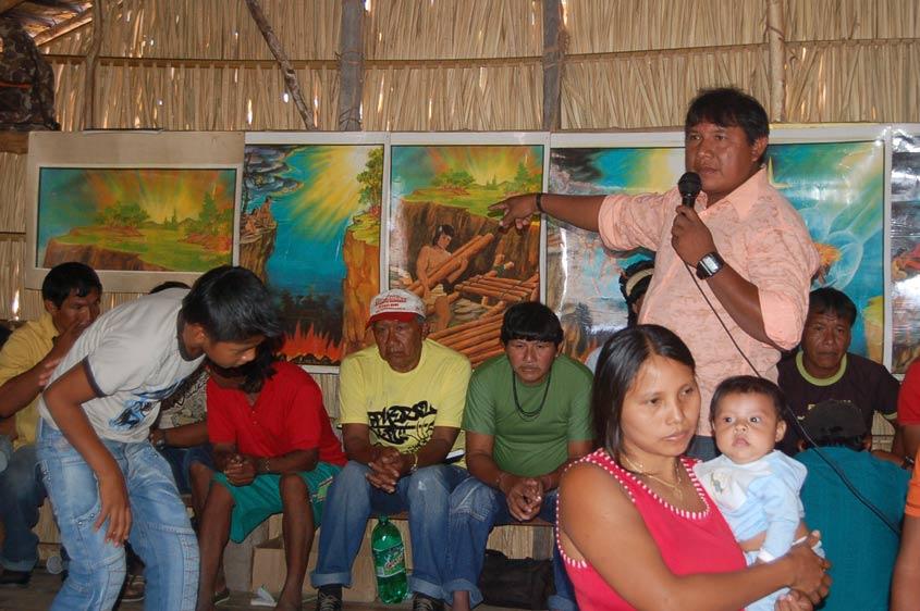 """Regionale Indianertreffen in Brasilien """"Indianer zu Indianer"""""""