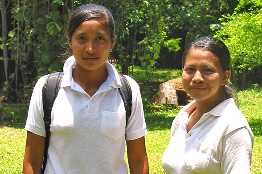 Stipendien für junge Indianer